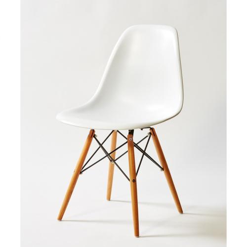 dc231a-silla-blanca-pata-madera