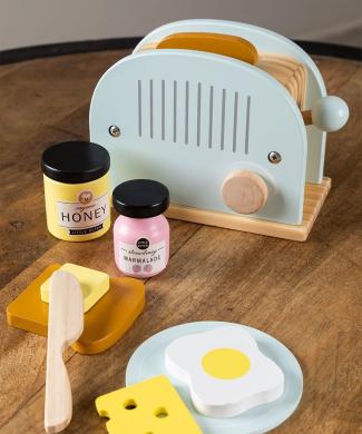 set-de-desayuno-con-sandwichera-en-madera-branx-kids-
