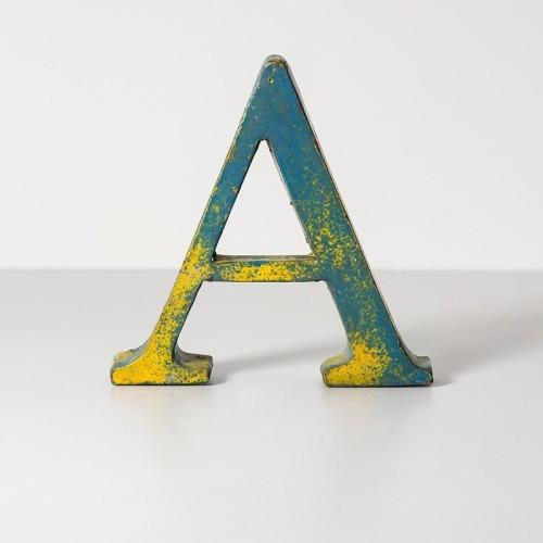 letra-de-metal-a-20-cm