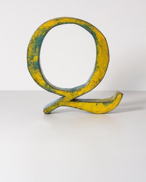 letra-de-metal-q-20-cm