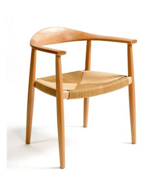 silla-de-madera-y-cuerda-natural-con-reposabrazos